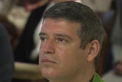 El secretario personal del papa Francisco dejará el cargo en diciembre