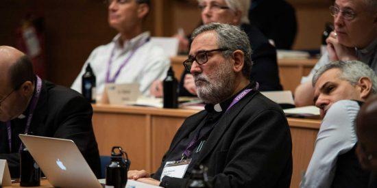 Bergoglio nombra a un jesuita español al frente de las finanzas del Vaticano