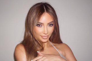 Kim Kardashian te enseña a presumir de escote sin que se note que llevas sujetador