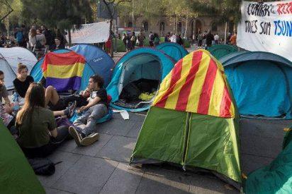 La Policía identifica al 'indepe' sospechoso de violar a una colega en una tienda de la acampada de Barcelona