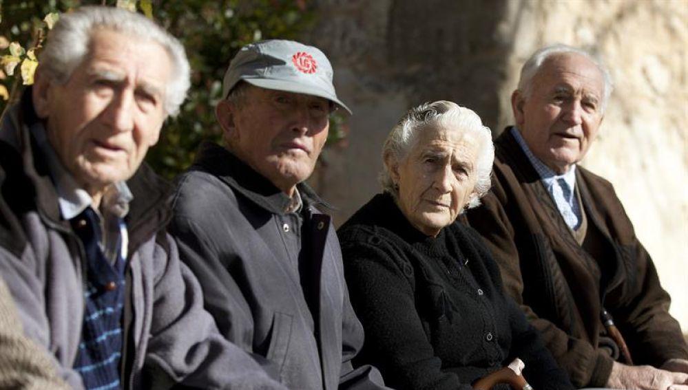 Alarma en España por el futuro de las pensiones: en 2050 habrá solo un trabajador por cada jubilado