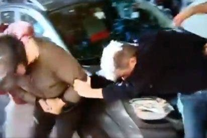 Barcelona Ciudad sin Ley: una jauría de CDRs independentistas agrede en masa a un indefenso motorista