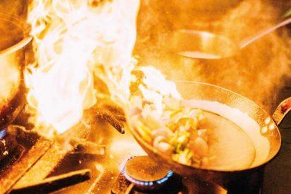 Carolina y Luisma, dos chavales, se quedaron dormidos con una sartén en el fuego y murieron envenenados por el humo