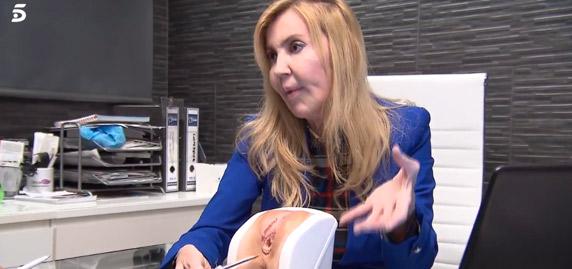 """Escándalo tras explicar una doctora en 'Viva la vida' en horario infantil """"cómo reconstruyeron el co** a Adara después del parto"""""""