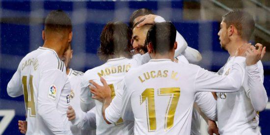 El Real Madrid pega un baño bajo la lluvia al Eibar y se pone primero en La Liga