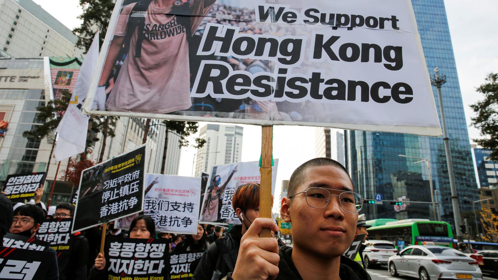 El movimiento pro democracia de Hong Kong logra una aplastante victoria en las elecciones locales