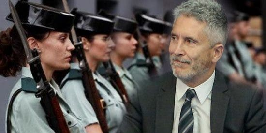 Los guardias civiles, contra los 8 decretazos de Marlaska y Sánchez que les quitan 'derechos fundamentales'