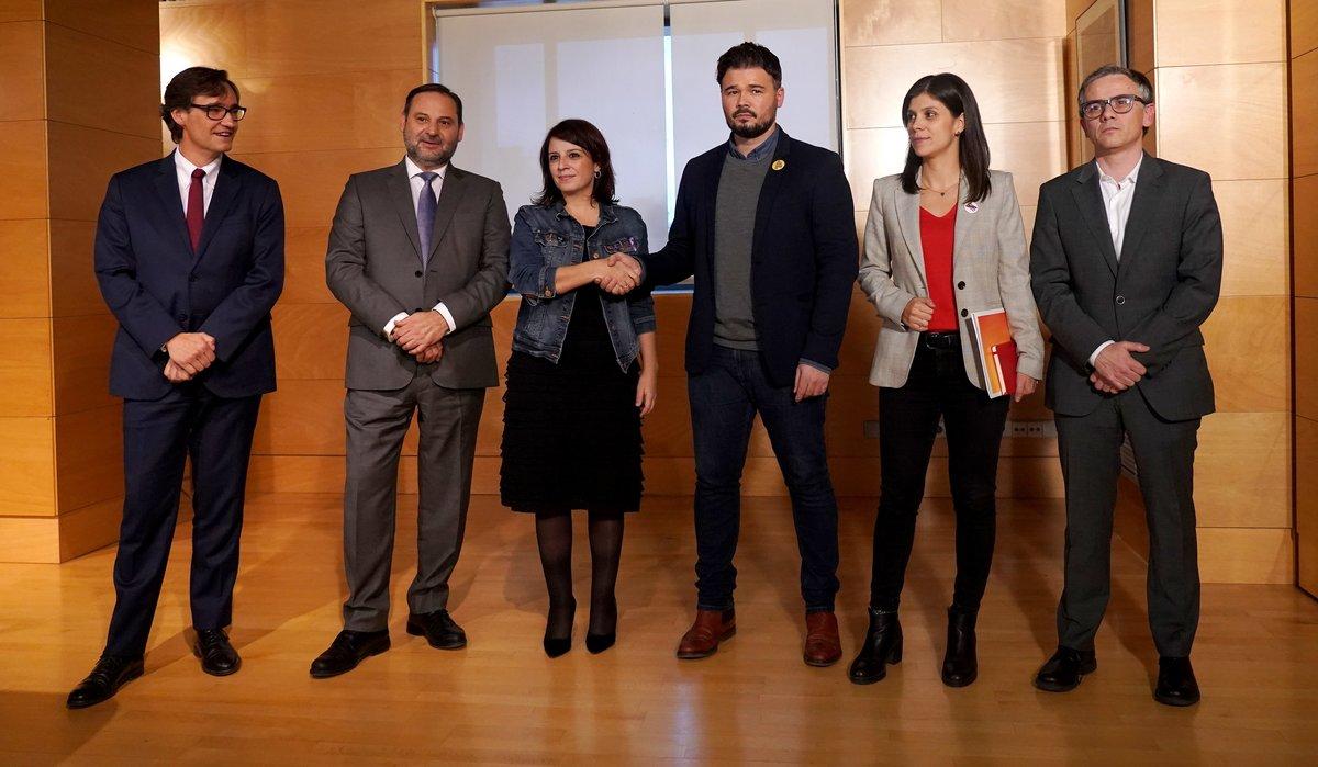 Pedro 'cum fraude' Sánchez elimina todas las líneas rojas tras la ignominiosa foto de Ábalos y Lastra con uno de los cerebros del 'procés'
