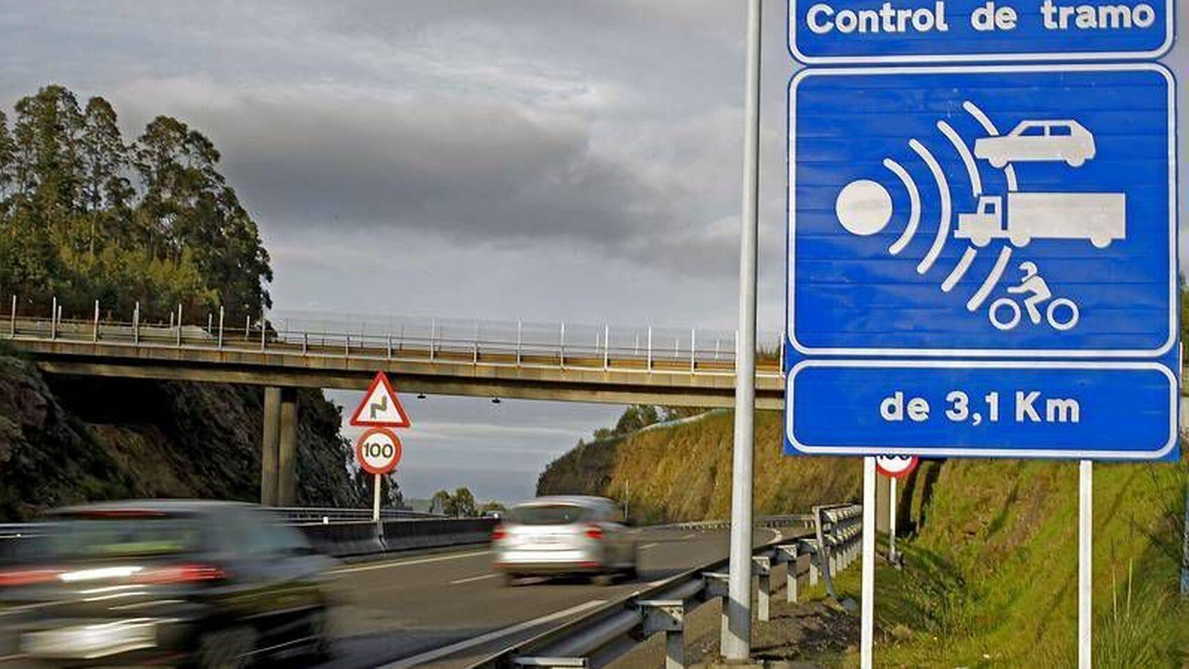 DGT: implementan los radares que se 'chivan' si tu coche no pasó la ITV