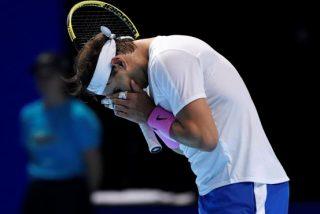 Un gigantesco Zverev 'corre a palos' de Rafa Nadal en su debut en la Copa de Maestros
