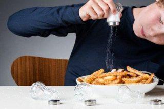 ¿Sabes por qué los paquetes de sal deberían llevar advertencias de salud como el tabaco?