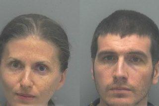 Arrestan a una pareja vegana por 'matar' de desnutrición a su hijo de año y medio