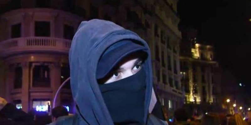 """La izquierda sectaria y el odio: encapuchados apalean al hijo de dos dirigentes de VOX al grito de """"te vamos a matar, facha"""""""
