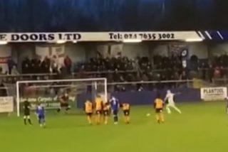 Vídeo viral: El penalti más desastroso de la historia hace estallar a carcajadas a todo el estadio