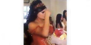 Vídeo viral: Esta novia se santigua antes de lanzar el ramo…¡ya sabía cómo de salvajes eran sus amigas!