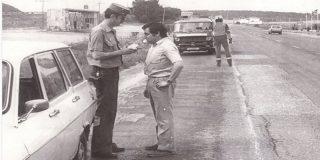 La Guardia Civil pone a prueba nuestra agudeza visual: ¿qué ves de raro en esta foto antigua?