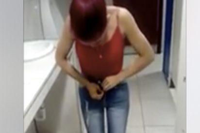 Vídeo viral: Pillan a esta chica intentando llevarse ocho pantalones que llevaba puestos unos encima del otro