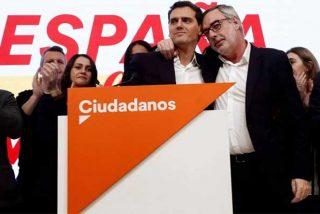 """La cada día más descabezada dirección de Ciudadanos sigue dando palos de ciego y les pillan montando """"una campañita"""" en redes contra una periodista"""