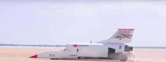 El Bloodhound LSR consigue superar los 800 km/h en sus test para batir el récord de velocidad