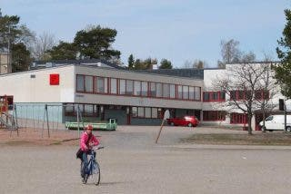 ¿Sabes por qué los colegios de Finlandia enseñan a escribir solo en mayúsculas?