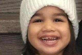 Muere esta niña de dos años tras caerle encima un aparato de aire acondicionado desde un octavo piso
