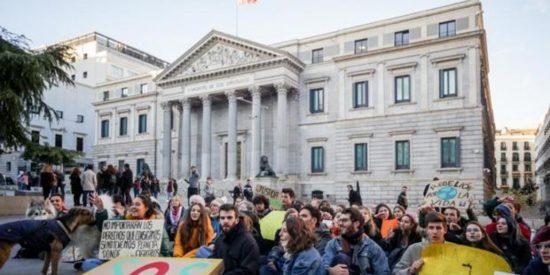 ¿Sabías que la cumbre climática contamina tanto como 400.000 viajes Madrid-Palma?