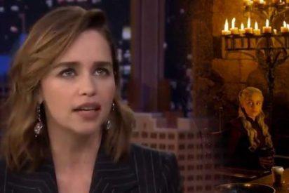 Emilia Clarke se chiva del culpable del polémico café que se coló en 'Juego de Tronos'