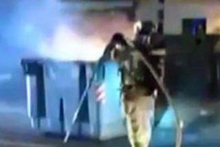'Los yayos pirómanos': Detienen a dos ancianos por quemar contenedores en varios barrios de Murcia y Alicante