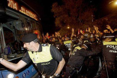 Los sindicatos callan ante el escándalo de los EREs del PSOE pero colapsan el Madrid de Almeida con huelgas