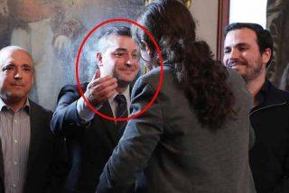 ¿Qué ocurre ahora con Iván Redondo? El jefe de gabinete de Sánchez salva la cabeza de los afilados cuchillos de sus enemigos en el PSOE