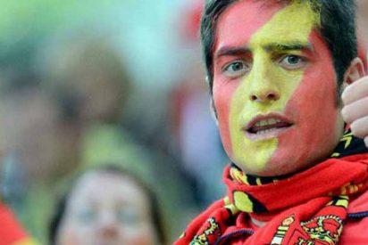 El odio que siembran Sánchez e Iglesias: dejan tuerto a un joven por llevar un pin con la bandera de España