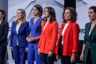Inés Arrimadas vence por puntos a las 'Montero' y... a las ansias de protagonismo de la moderadora Ana Pastor