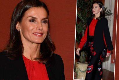 Letizia da carpetazo a una semana intensa con una falda floreada y capa 'low cost' de Zara
