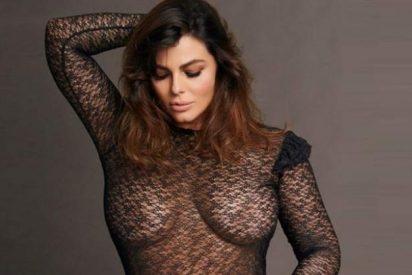 Marisa nos enseña sus voluptuosas 'Jaras' con este encaje transparente y sin ropa interior…
