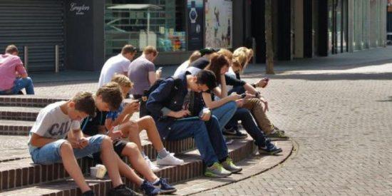 La OMS espolea a los jóvenes sedentarios: ¡4 de cada 5 no mueven el culo!