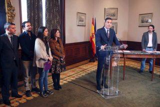 """Ante el temor de que pidieran su cabeza, Sánchez se decantó por una España """"roja y rota"""""""