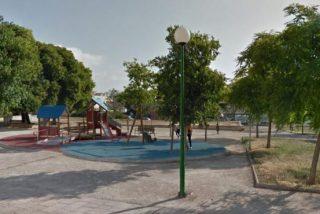 Detenido un hombre por prender fuego en este parque a una mujer de 70 años