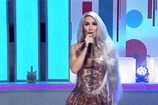 Vídeo viral: La terrible y desafinada actuación en directo de la Pelopony en televisión