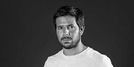 """Entrevista/ Renato Cisneros: """"Mi sueño más loco es poder vivir de mis libros"""""""