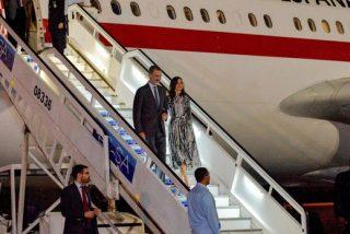 Una foto hecha con un móvil a Don Felipe y Doña Letizia lleva el escándalo a Casa Real y dispara los rumores
