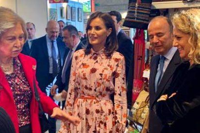 Doña Letizia y Doña Sofía visitan el stand de Perú en el Rastrillo Nuevo Futuro