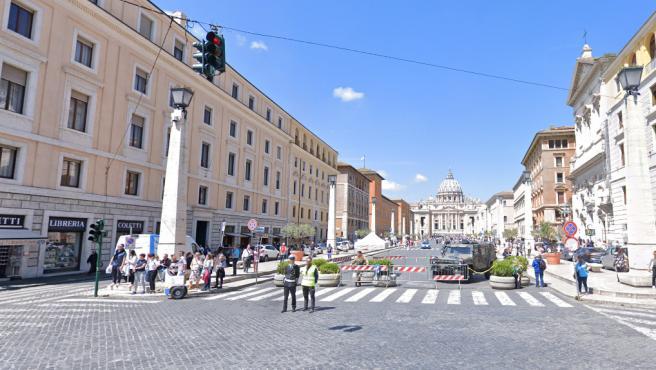 'La super clavada': Les cobran 119 euros por tres perritos calientes y un sándwich en un bar de Roma