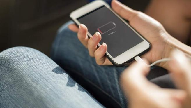 Los mejores trucos para que la batería de tu móvil se cargue más rápido