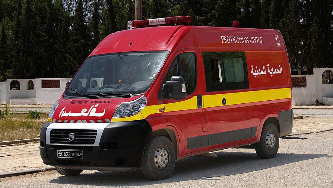 Más de 20 personas mueren al volcar un autobús turístico en Túnez