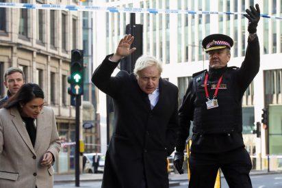 Boris Johnson confirma que 74 condenados por terrorismo salieron de prisión antes de tiempo y están libres por las calles