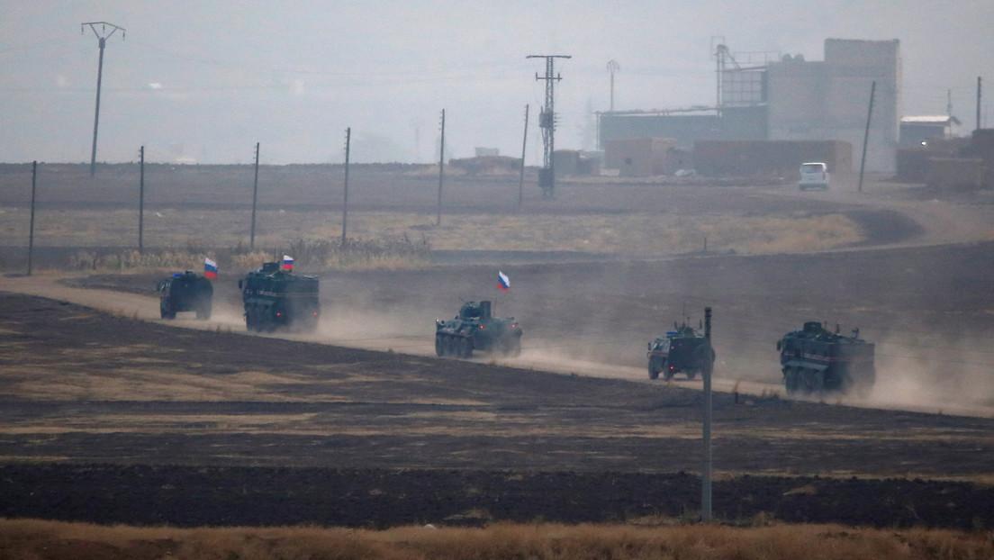 Una bomba explota al paso de un vehículo blindado ruso que realizaba una patrulla en Siria