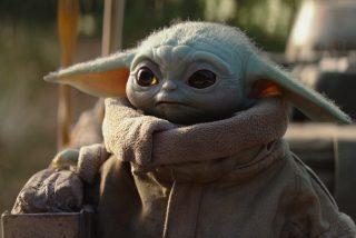 Así es el 'bebé Yoda' que aprieta botones en la cabina de una nave espacial y su meme hace enloquecer a los fans