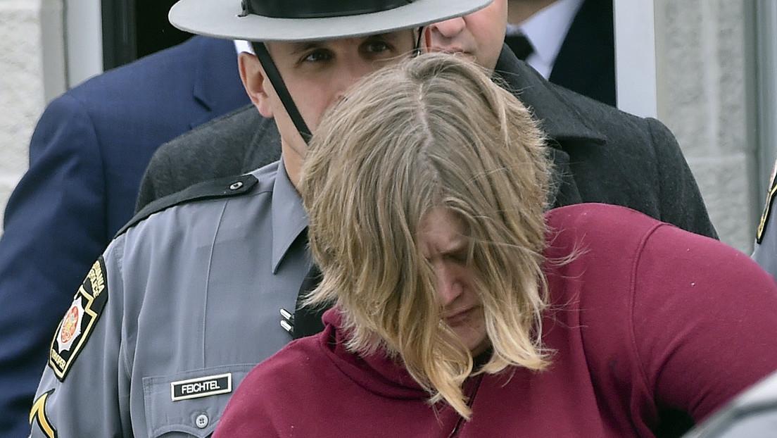 Acusan de asesinato a esta mujer que dijo a la Policía que sus hijos se habían suicidado