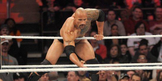 El épico patinazo de Dwayne 'la Roca' Johnson en la WWE