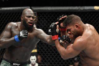 Momento en que le 'explota' el labio a este luchador de la UFC tras un brutal izquierdazo